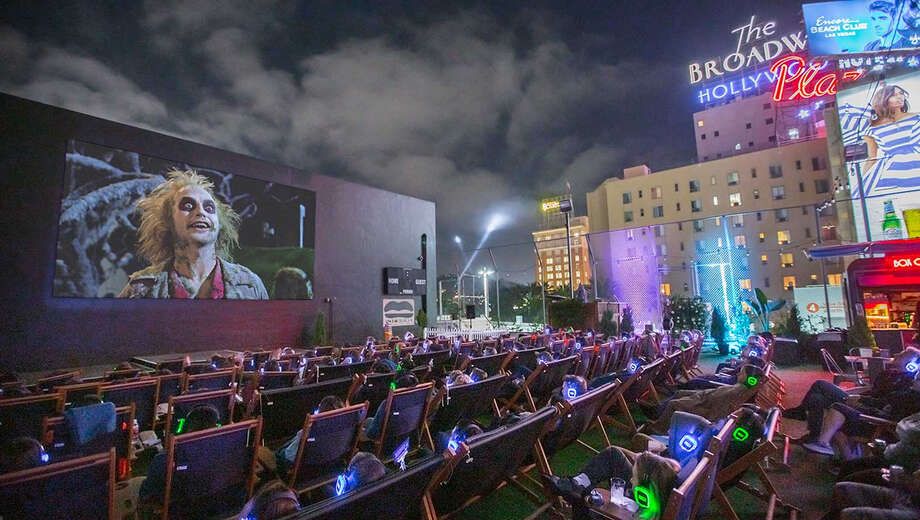 1567814390 halloween rooftop movies tickets