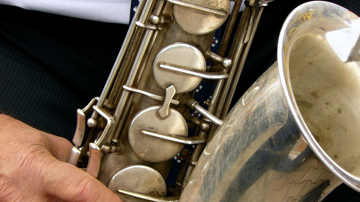 Introduction To Playing The Tenor Saxophone - Online