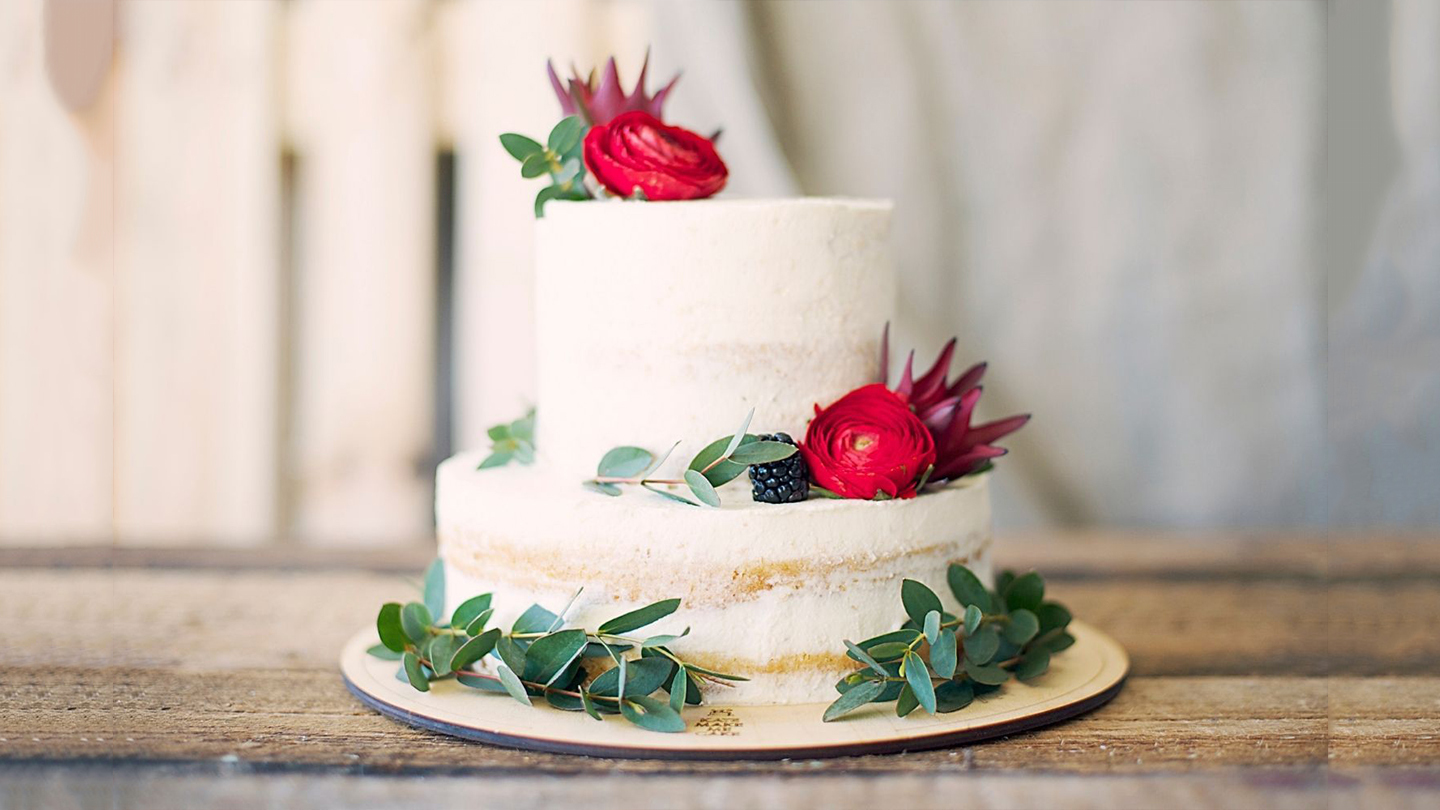 Beginners Guide To Layer Cake From Scratch And Cake Decorating - Online
