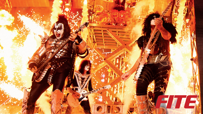 Kiss Rocks Vegas -- Online