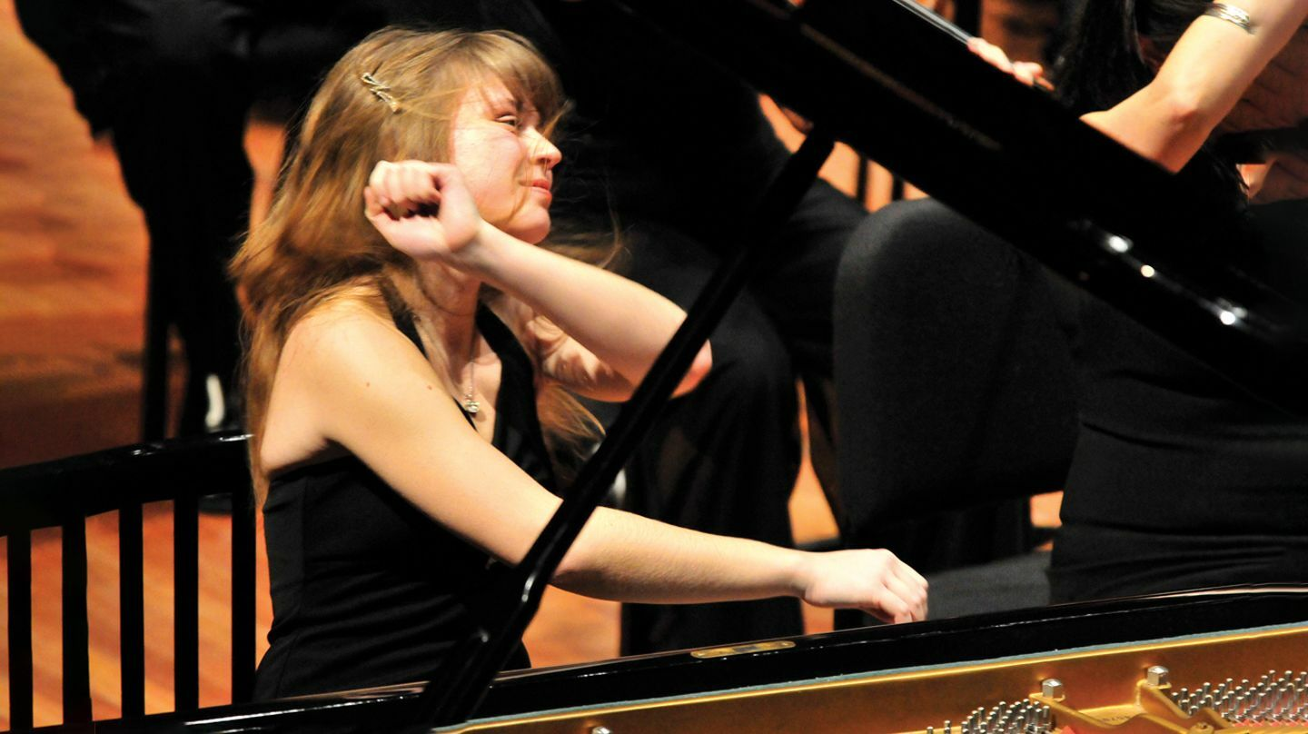 Acclaimed Russian Pianist Anna Fedorova in Encore Performance Online